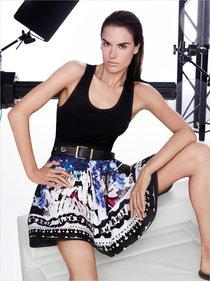 Алессандра Амбросио в рекламе женской одежды «Pinko» (весна-лето 2014): alessandra-ambrosio-pinko-ss14-01_Starbeat.ru