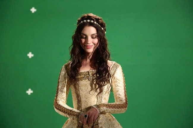 Аделаида Кейн: промо-фотографии из сериала «Царство»: adelaide-kane-reign-promoshoot-07_Starbeat.ru