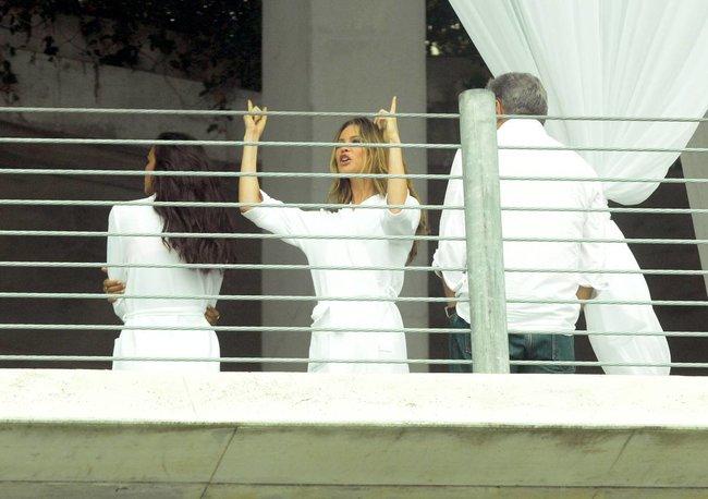 Съемки рекламы «Victoria's Secret» в Майами: Алессандра Амбросио, Адриана Лима и Бехати Принслу: alessandra-adriana-behati-10_Starbeat.ru