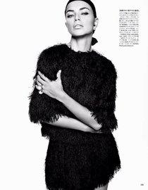 Адриана Лима предстала перед читателями японского «Vogue», апрель 2014: adriana-lima-vogue-japan-2014--01_Starbeat.ru