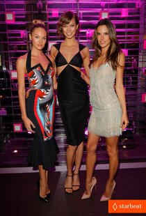 Вечеринка «Victoria's Secret»: «ангелы», Бен Барнс и Антон Ельчин: alessandra-ambrosio-candice-swanepoel-victorias-secret-party-justjared-exclusive-video-01_Starbeat.ru