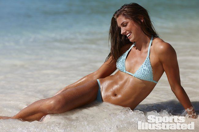 Фотосессия Алекс Морган для «Sports Illustrated» в бикини: alex-morgan-si-2014-sports-illustrated-swimsuit-issue--03_Starbeat.ru