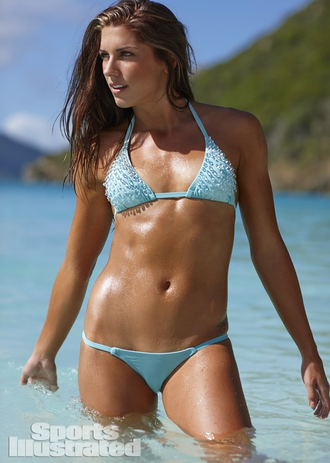 Фотосессия Алекс Морган для «Sports Illustrated» в бикини: alex-morgan-si-2014-sports-illustrated-swimsuit-issue--05_Starbeat.ru
