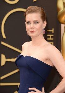 Эми Адамс посетила 86-ю ежегодную церемонию вручения премии «Оскар»: oscar-2014-amy-adams--01_Starbeat.ru