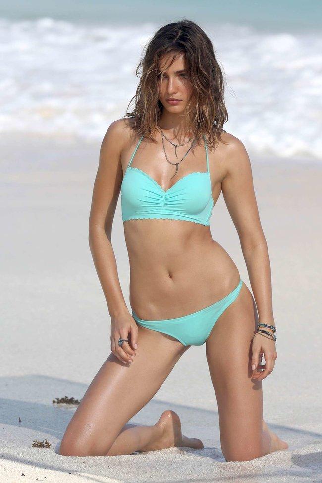 Андреа Диакону снимается в фотосессии для «Victoria's Secret» на Сен-Барт: andreea-diaconu-2013-vs-bikini-shoot-in-st-barths--11_Starbeat.ru