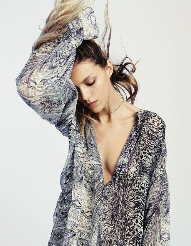 Аня Рубик приоткрыла рот и ждёт пока вылетит птичка — фотки для журнала «Grazia France Magazine Photoshoot» (июнь 2016): anja-rubik-4_Starbeat.ru