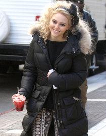 Аннасофия Робб: съемки сериала «Дневники Кэрри»: AnnaSophia-Robb---The-Carrie-Diaries-Set-photos-01_Starbeat.ru