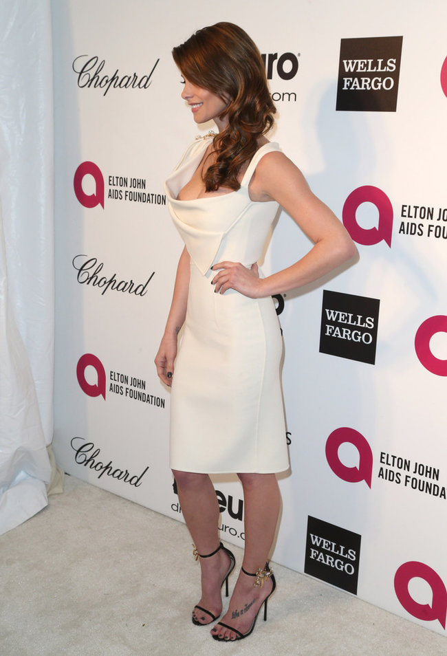 Эшли Грин на вечере Элтона Джона «AIDS Foundation Academy Awards»: ashley-greene-2014-elton-john-aids-foundation-academy-awards-party--13_Starbeat.ru