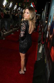 Эшли Тисдейл на премьере фильма «Этот неловкий момент» в Лос-Анджелесе: ashley-tisdale-that-awkward-moment-premiere--01_Starbeat.ru