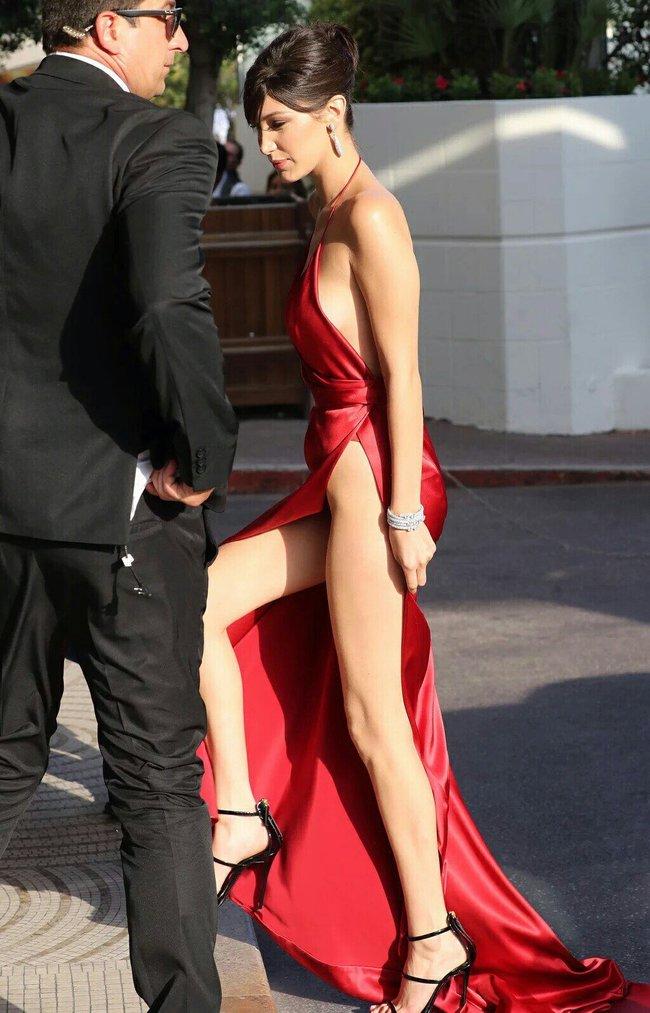 Почти голая Белла Хадид на премьере «La Fille Inconnue» в Каннах: bella-hadid-11_Starbeat.ru