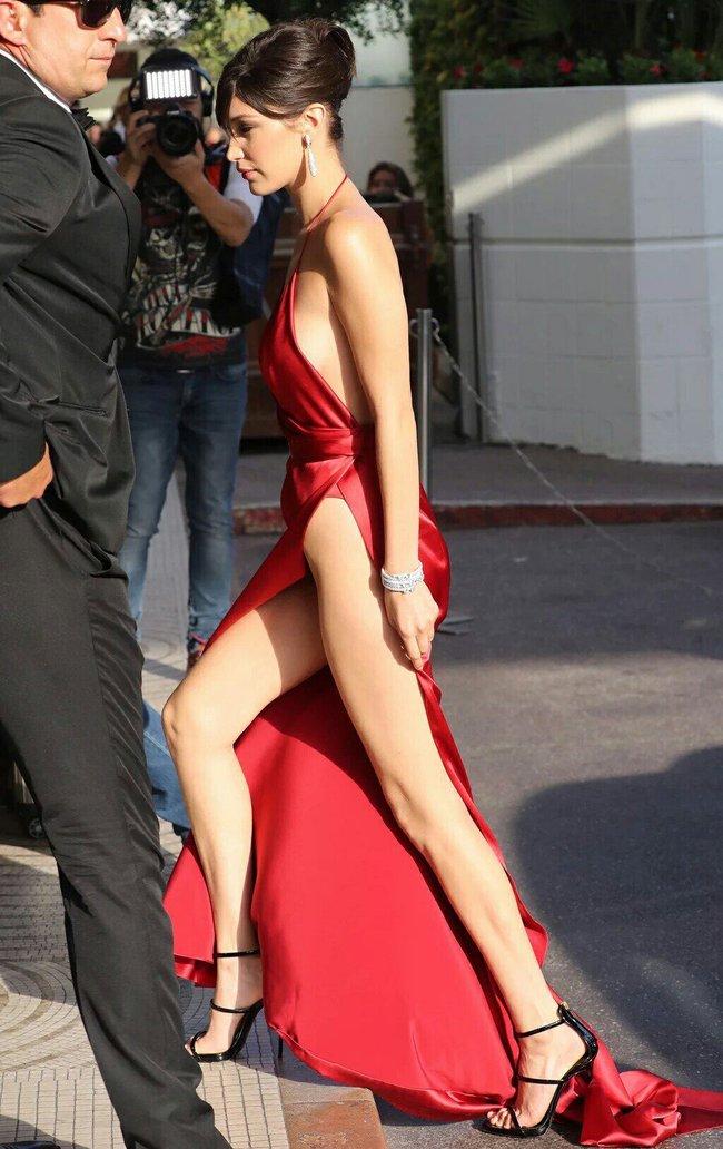 Почти голая Белла Хадид на премьере «La Fille Inconnue» в Каннах: bella-hadid-12_Starbeat.ru