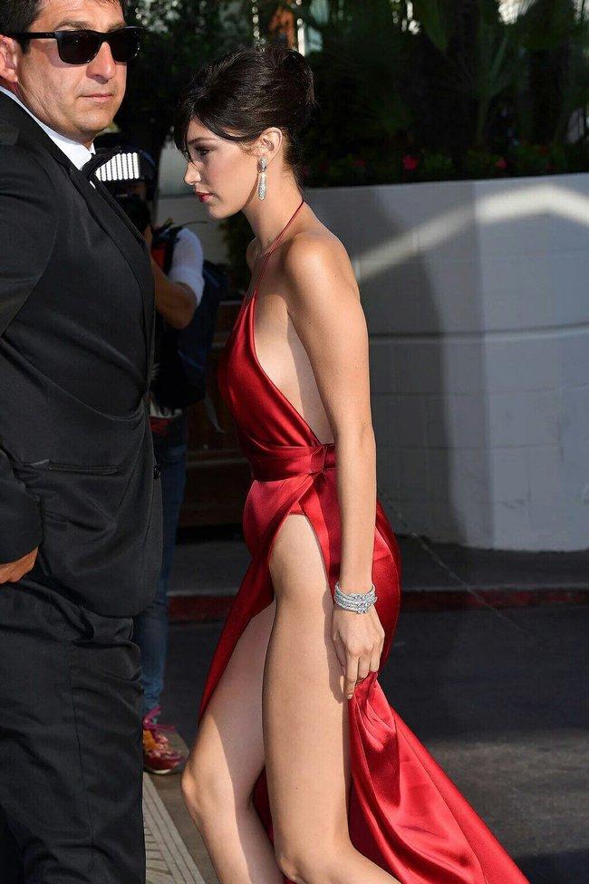 Почти голая Белла Хадид на премьере «La Fille Inconnue» в Каннах: bella-hadid-13_Starbeat.ru