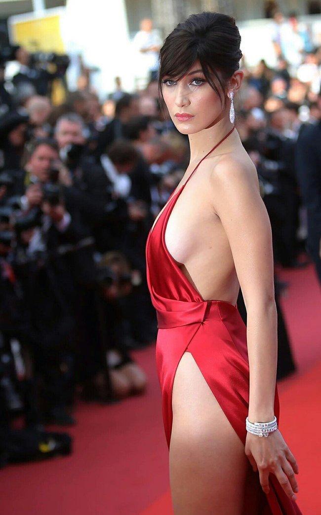Почти голая Белла Хадид на премьере «La Fille Inconnue» в Каннах: bella-hadid-16_Starbeat.ru