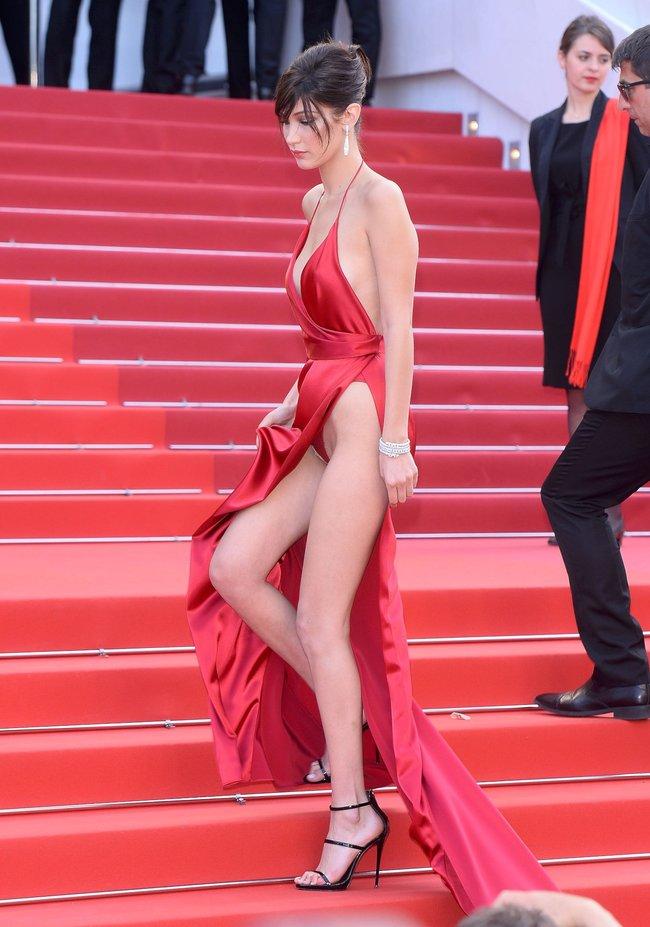Почти голая Белла Хадид на премьере «La Fille Inconnue» в Каннах: bella-hadid-4-1_Starbeat.ru
