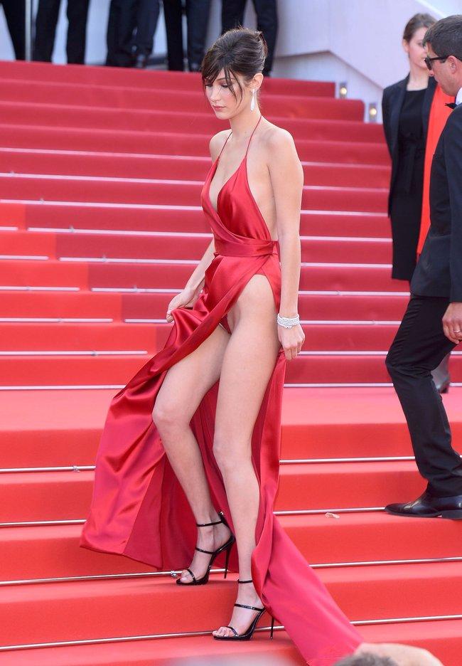 Почти голая Белла Хадид на премьере «La Fille Inconnue» в Каннах: bella-hadid-5-1_Starbeat.ru
