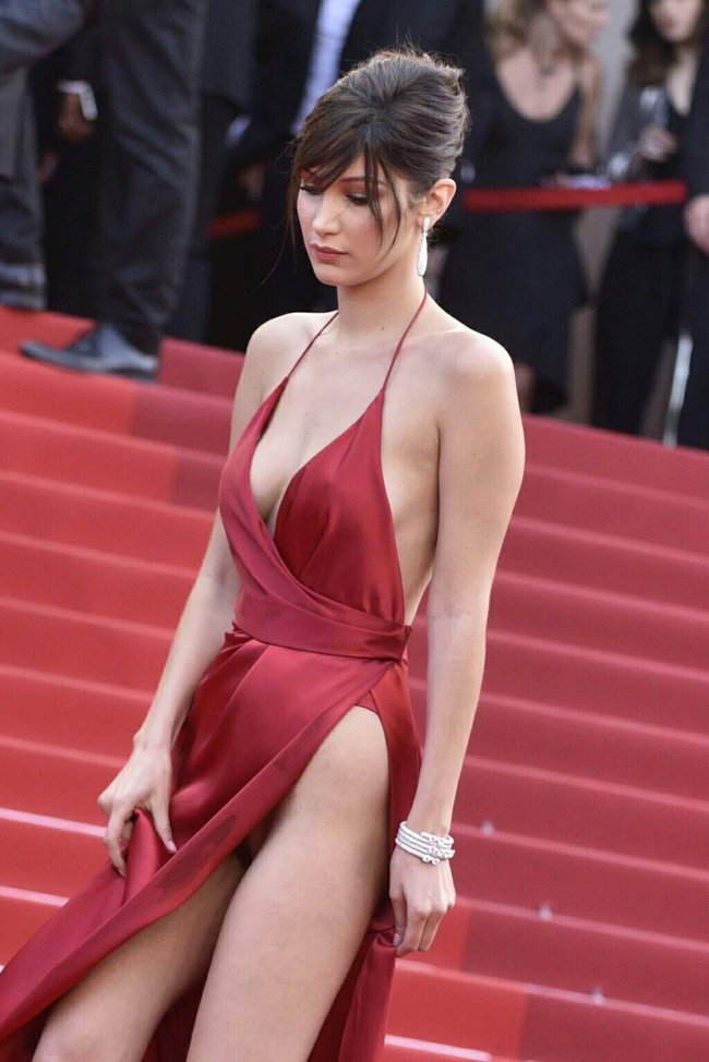 Почти голая Белла Хадид на премьере «La Fille Inconnue» в Каннах: bella-hadid-6-1_Starbeat.ru