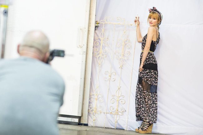 Белла Торн на рекламной съемке бренда «Candie's»: bella-thorne-10_Starbeat.ru