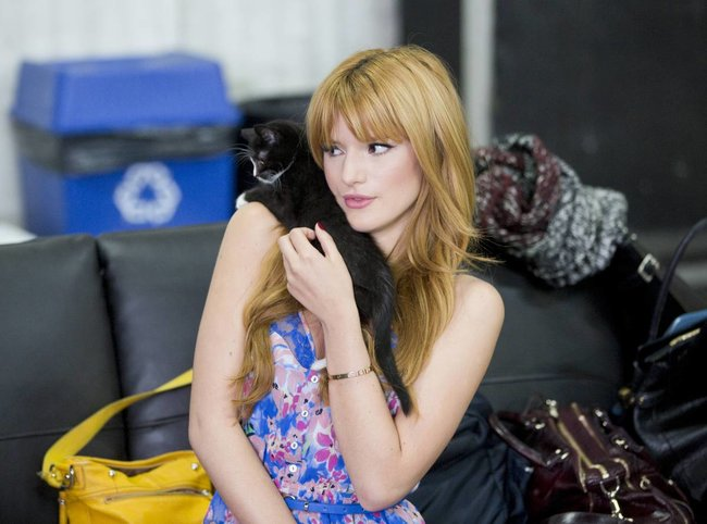 Белла Торн на рекламной съемке бренда «Candie's»: bella-thorne-111_Starbeat.ru