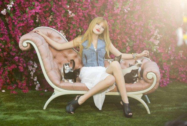 Белла Торн на рекламной съемке бренда «Candie's»: bella-thorne-91_Starbeat.ru