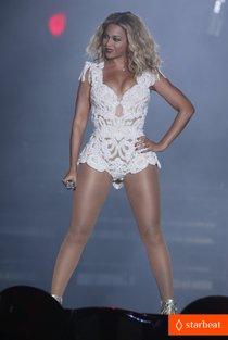 Бейонсе выступила на музыкальном фестивале в Рио-де-Жанейро: beyonce-rock-in-rio-opening-night-performer-15_Starbeat.ru