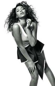 Бейонсе в майском «Vogue UK Magazine» : beyonce---vogue-magazine-2013--01_Starbeat.ru