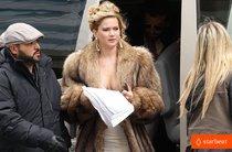 Дженнифер Лоуренс и Брэдли Купер на съемках нового фильма: jennifer-lawrence-bradley-cooper-reunite-for-david-o-russell-01_Starbeat.ru