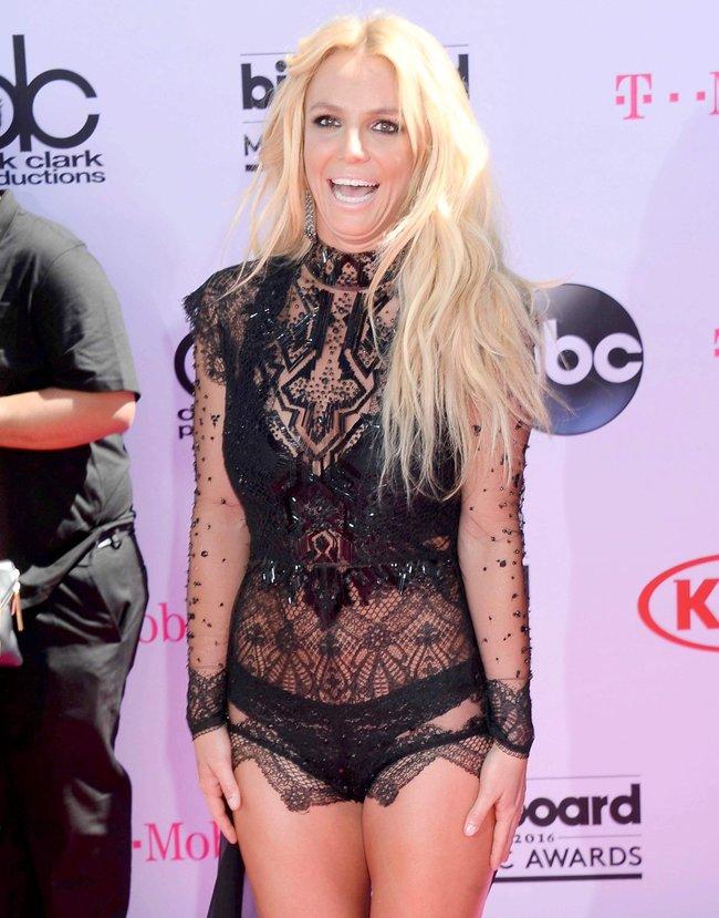Бритни Спирс и морщины радости на «2016 Billboard Music Awards» в Лас-Вегасе: britney-spears-10_Starbeat.ru
