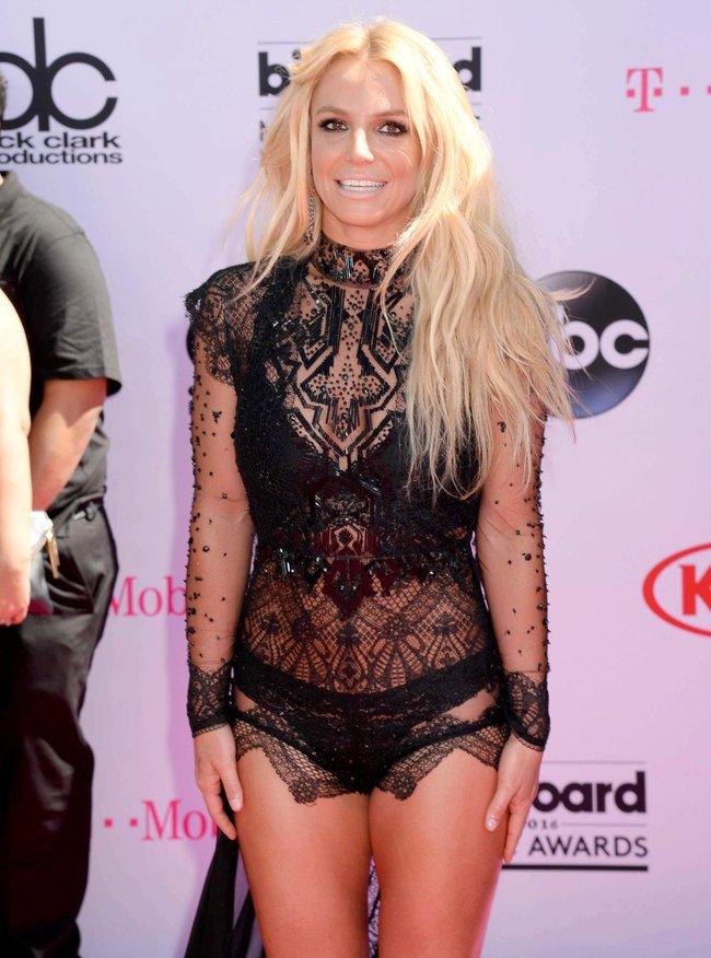 Бритни Спирс и морщины радости на «2016 Billboard Music Awards» в Лас-Вегасе: britney-spears-11_Starbeat.ru