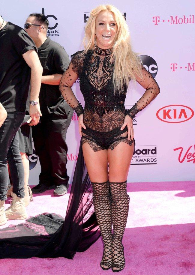 Бритни Спирс и морщины радости на «2016 Billboard Music Awards» в Лас-Вегасе: britney-spears-13_Starbeat.ru