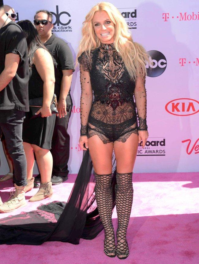 Бритни Спирс и морщины радости на «2016 Billboard Music Awards» в Лас-Вегасе: britney-spears-14_Starbeat.ru