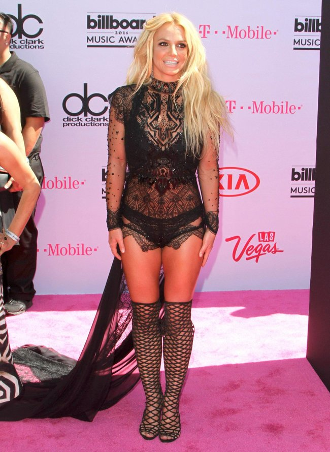 Бритни Спирс и морщины радости на «2016 Billboard Music Awards» в Лас-Вегасе: britney-spears-15_Starbeat.ru