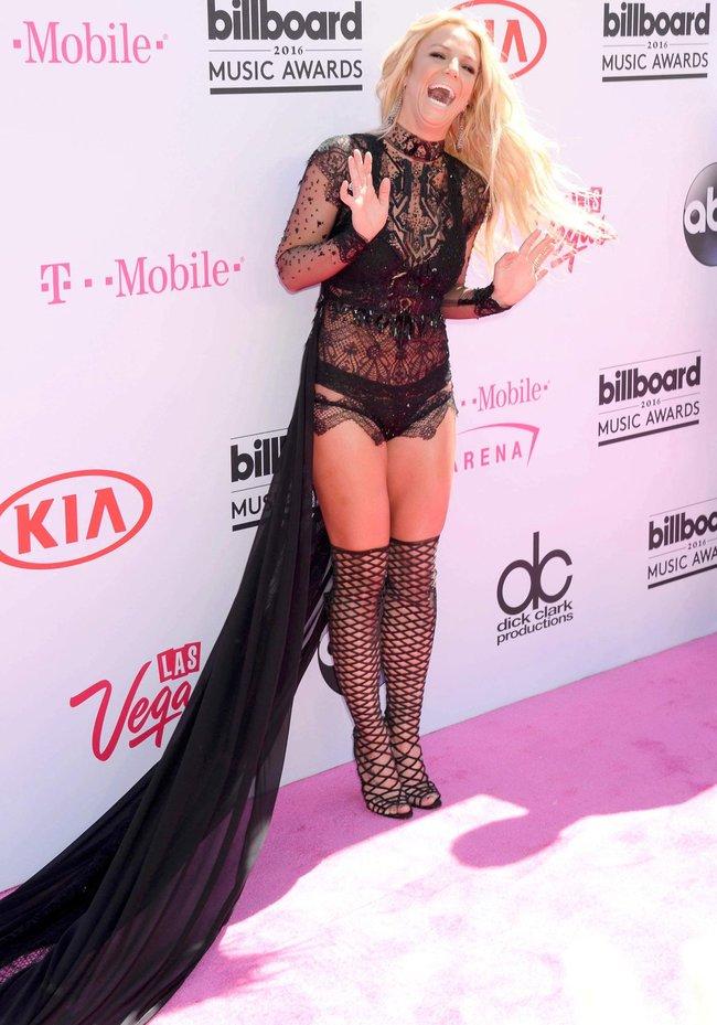 Бритни Спирс и морщины радости на «2016 Billboard Music Awards» в Лас-Вегасе: britney-spears-16_Starbeat.ru