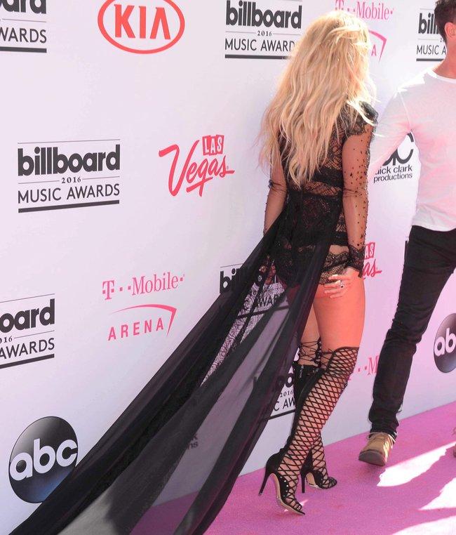 Бритни Спирс и морщины радости на «2016 Billboard Music Awards» в Лас-Вегасе: britney-spears-17_Starbeat.ru