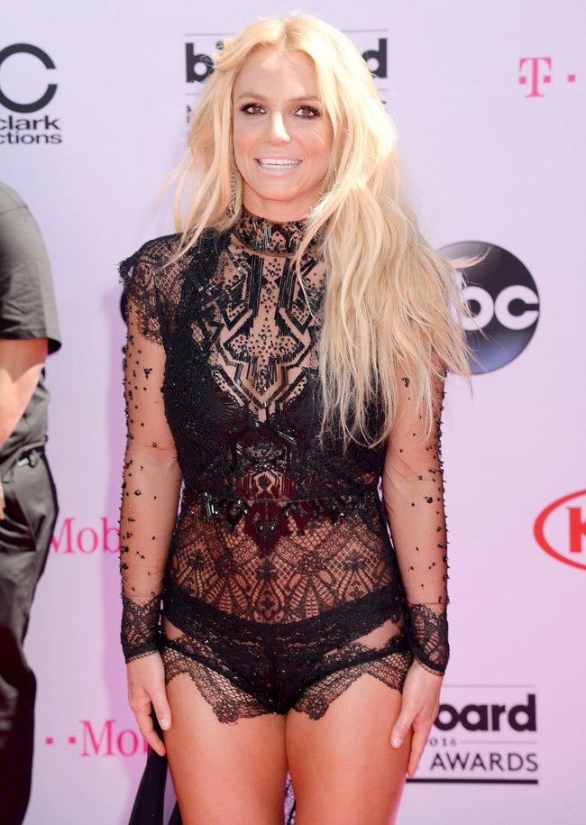 Бритни Спирс и морщины радости на «2016 Billboard Music Awards» в Лас-Вегасе: britney-spears-18_Starbeat.ru