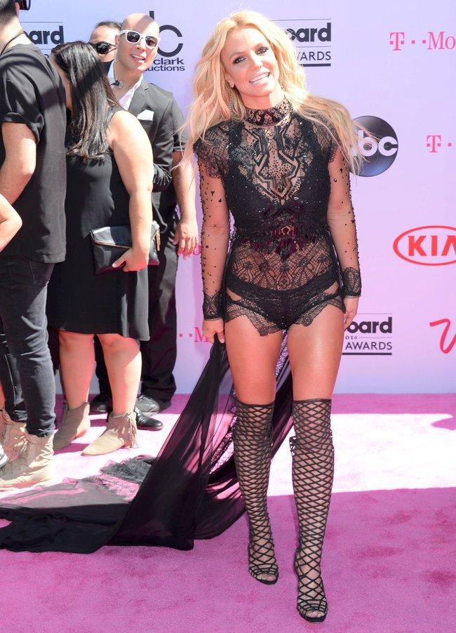 Бритни Спирс и морщины радости на «2016 Billboard Music Awards» в Лас-Вегасе: britney-spears-19_Starbeat.ru