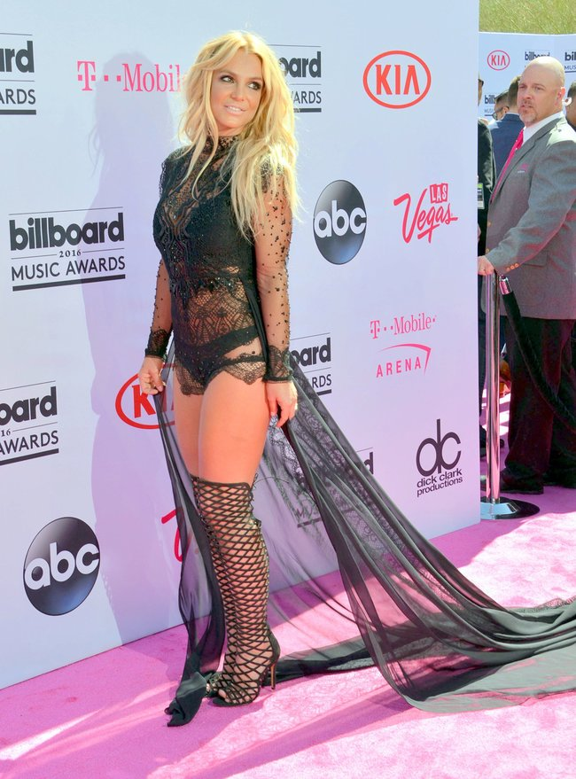 Бритни Спирс и морщины радости на «2016 Billboard Music Awards» в Лас-Вегасе: britney-spears-20_Starbeat.ru