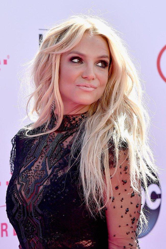 Бритни Спирс и морщины радости на «2016 Billboard Music Awards» в Лас-Вегасе: britney-spears-22_Starbeat.ru