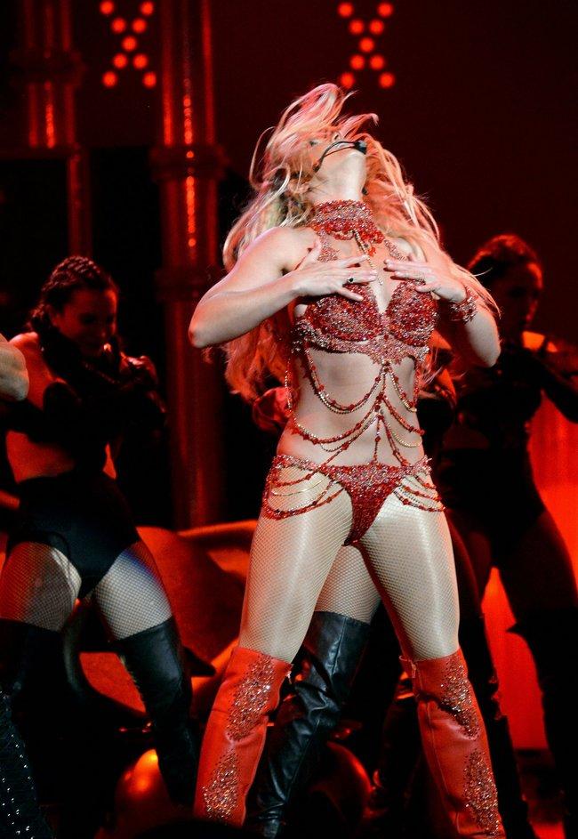 Бритни Спирс и морщины радости на «2016 Billboard Music Awards» в Лас-Вегасе: britney-spears-24_Starbeat.ru