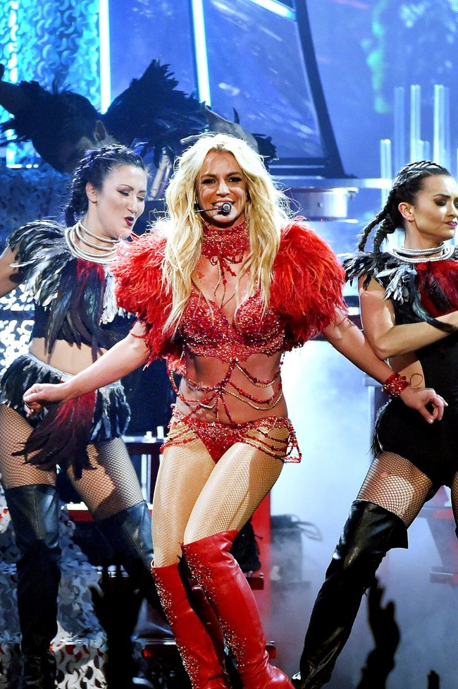 Бритни Спирс и морщины радости на «2016 Billboard Music Awards» в Лас-Вегасе: britney-spears-26_Starbeat.ru