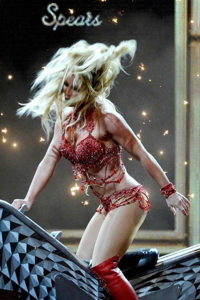 Бритни Спирс и морщины радости на «2016 Billboard Music Awards» в Лас-Вегасе: britney-spears-28_Starbeat.ru