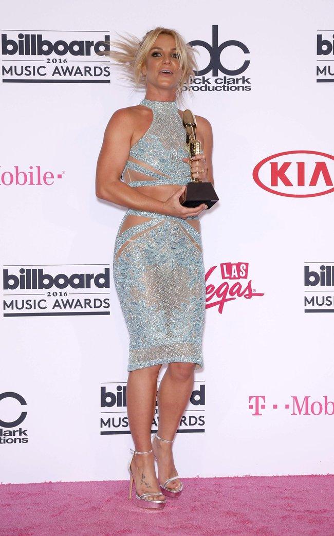 Бритни Спирс и морщины радости на «2016 Billboard Music Awards» в Лас-Вегасе: britney-spears-2_Starbeat.ru