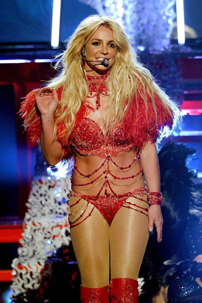 Бритни Спирс и морщины радости на «2016 Billboard Music Awards» в Лас-Вегасе: britney-spears-31_Starbeat.ru