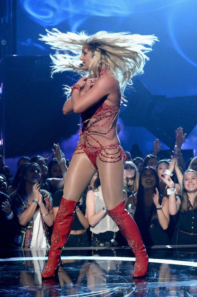 Бритни Спирс и морщины радости на «2016 Billboard Music Awards» в Лас-Вегасе: britney-spears-33_Starbeat.ru