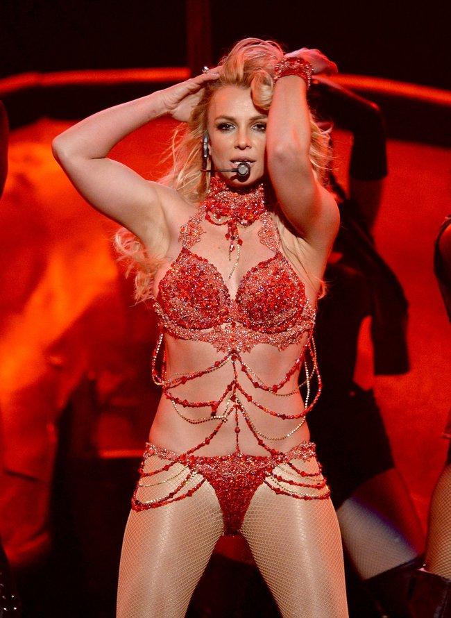 Бритни Спирс и морщины радости на «2016 Billboard Music Awards» в Лас-Вегасе: britney-spears-34_Starbeat.ru