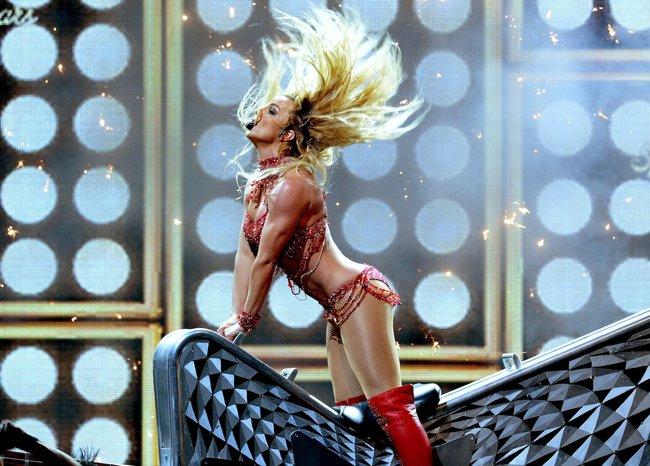 Бритни Спирс и морщины радости на «2016 Billboard Music Awards» в Лас-Вегасе: britney-spears-38_Starbeat.ru