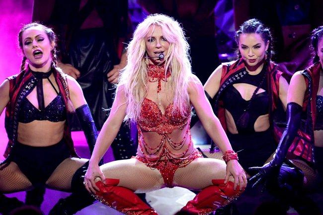 Бритни Спирс и морщины радости на «2016 Billboard Music Awards» в Лас-Вегасе: britney-spears-39_Starbeat.ru