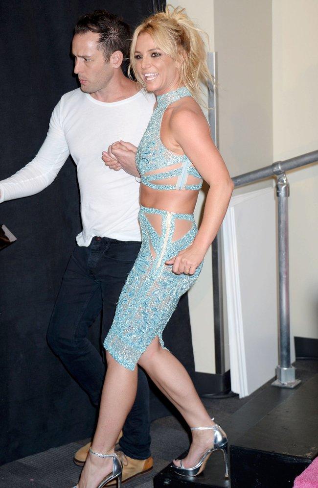 Бритни Спирс и морщины радости на «2016 Billboard Music Awards» в Лас-Вегасе: britney-spears-3_Starbeat.ru