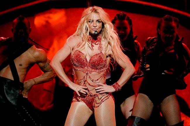Бритни Спирс и морщины радости на «2016 Billboard Music Awards» в Лас-Вегасе: britney-spears-40_Starbeat.ru