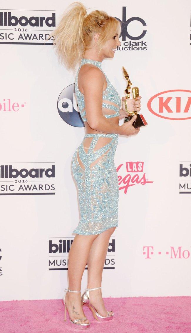 Бритни Спирс и морщины радости на «2016 Billboard Music Awards» в Лас-Вегасе: britney-spears-44_Starbeat.ru