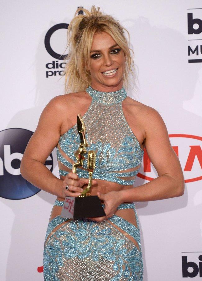 Бритни Спирс и морщины радости на «2016 Billboard Music Awards» в Лас-Вегасе: britney-spears-6_Starbeat.ru